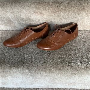 Tan Oxford Lace Up Shoes